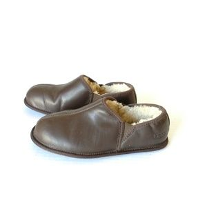 UGG mens slippers size 7 leather